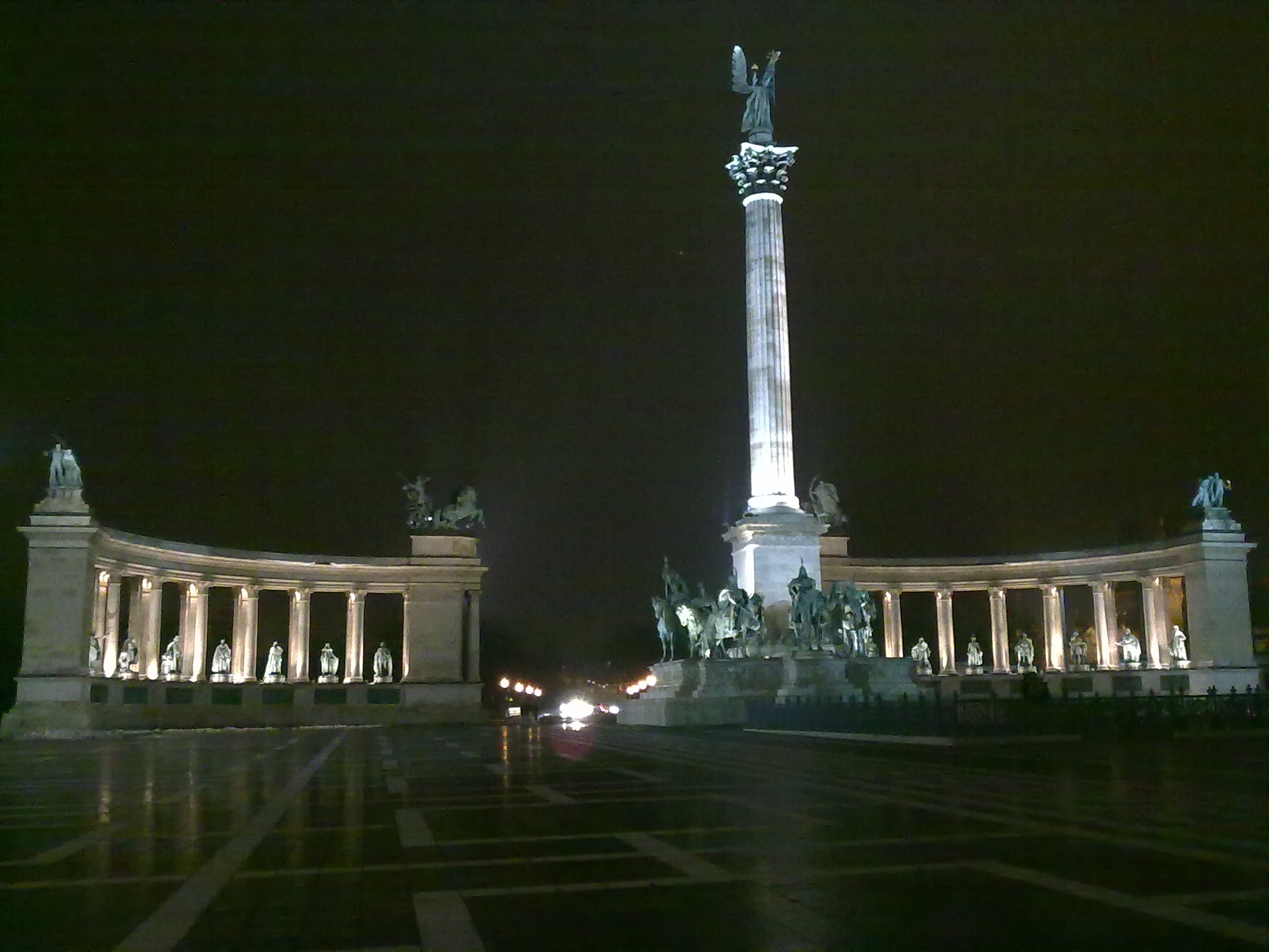 Budapest hero square at night